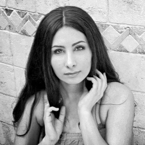 Elnaz Miabinezhad - 'Lay Lay Besigim'